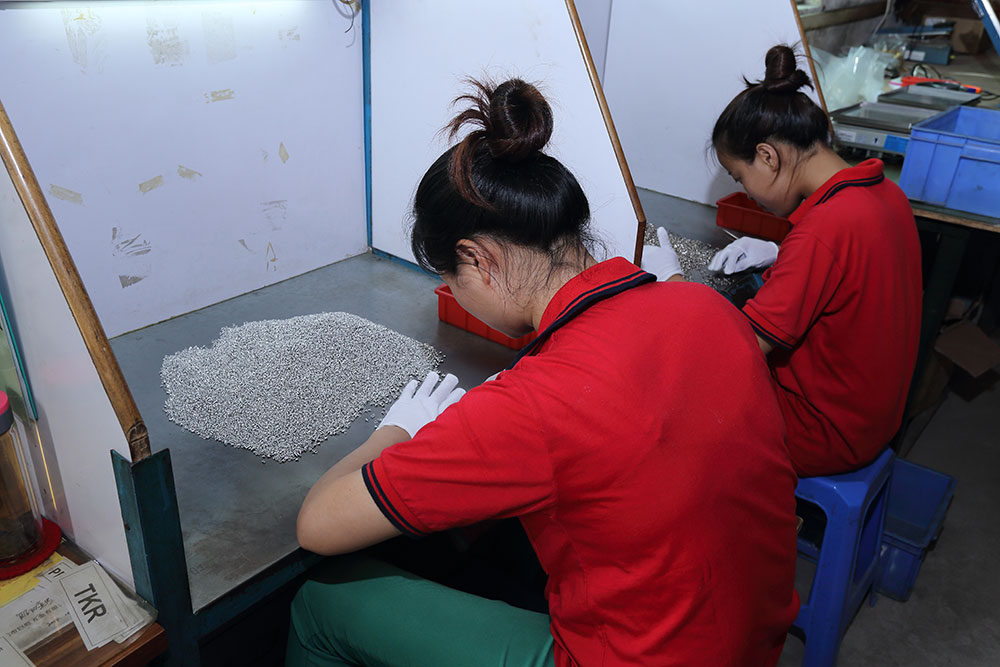 After electroplating, the products are purchased for full inspection